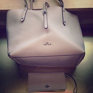 Coach tote and wallet, baby pink great condition